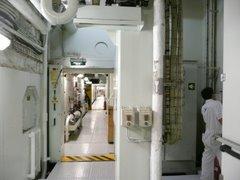 Teknisiä tiloja laivan pohjalla