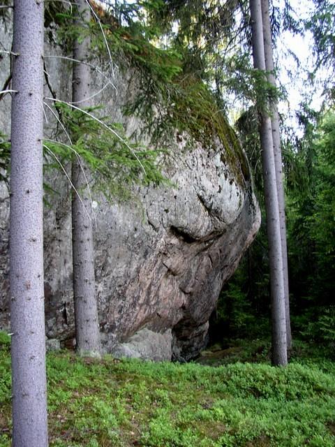 Jyrkkä kallio