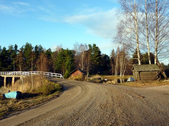 Hiekkatie ja silta Pellingissä (Porvoo)